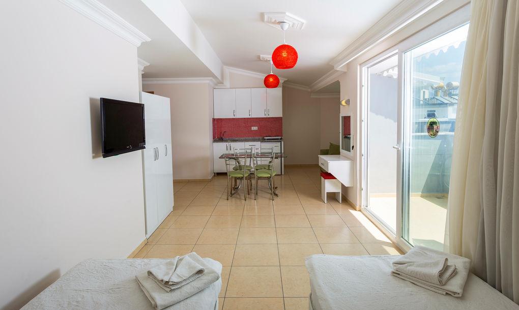 Studio Apartment (S)